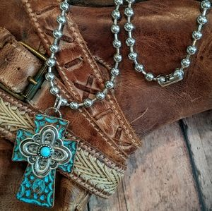 Nwt Handcrafted Western Cross Pendant Necklace